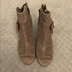 Vince Camuto size 7.5 peep toe booties